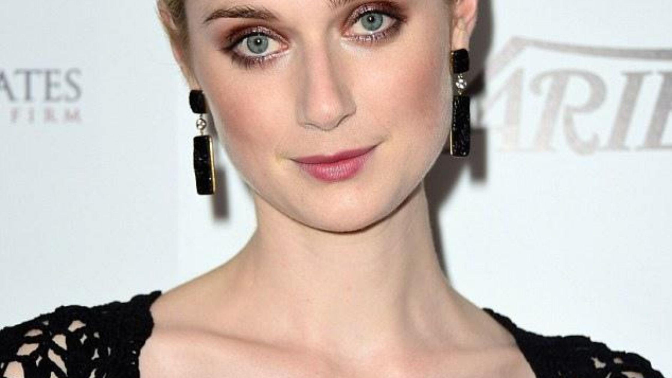 Princess Diana role gonna played by Elizabeth Debicki on 'The Crown'